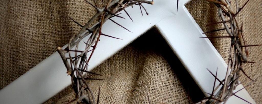 cruz-corona-de-espinas-e1405673219130-1764x700